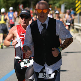 Running with class by Michel Burelle - Sports & Fitness Running