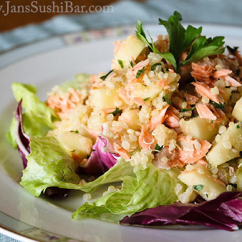 Quinoa Salad with Salmon and Apples