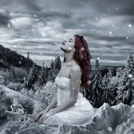 Loving Winter... by Ilkgül Çaylak - Digital Art Things ( cool, edited, clouds, beautiful, nice, dramatic sky, photography, photooftheday, amazing, winter, girl, sky, awesome, woman, dramatic, editoftheday, photo editing, photoshop )