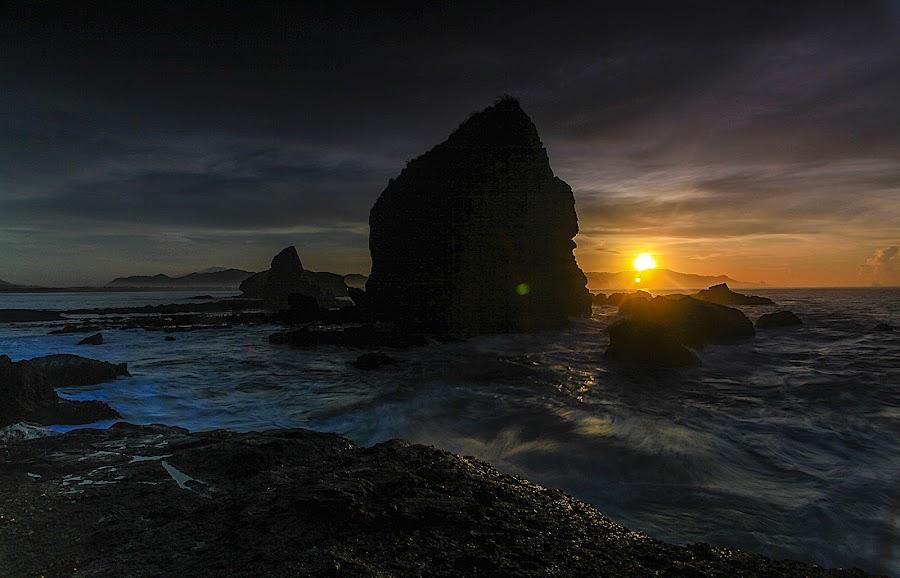 early morning at papuma by Julianto Soeroso - Landscapes Sunsets & Sunrises