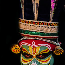 The Face Of The Chronicler-17 by Vijayanand Kandasamy - People Musicians & Entertainers ( face, dance form, kathakali dancer, traditional dance, kerala, painted faces, colours, face colours, colour, kerala traditional dance, tradition, kathakali dance, dance, dancer, kathakali,  )