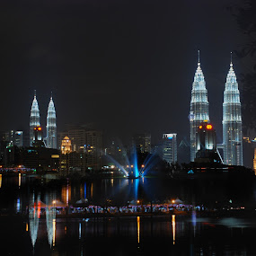 small & big KLCC by Woo Yuen Foo - Buildings & Architecture Office Buildings & Hotels ( 10s! )