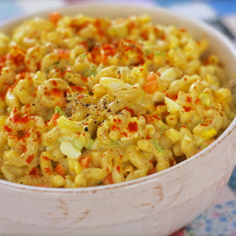 Sweet & Creamy Amish Macaroni Salad