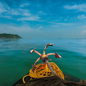 To Sea & Go Beyond by Dhritiman Lahiri - Landscapes Waterscapes ( indian ocean, canon 1100, dhritimanlahiri, waves, goa, boats, sea, arabian ocean, anchors, karwar, iclickweddings, canon 10-22, islands, india, river )