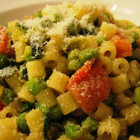 Ditalini Pasta With A Sauce Of Green Peas