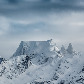Møysalen by Benny Høynes - Landscapes Mountains & Hills ( winter, mountain, snow, landscape, norway )