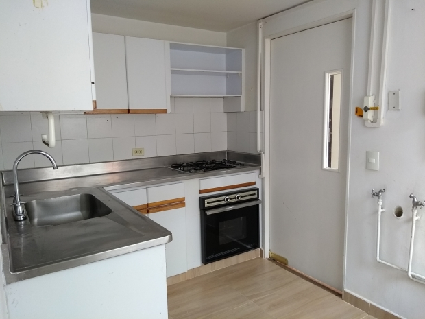 apartamento en arriendo loma del escobero 594-21804