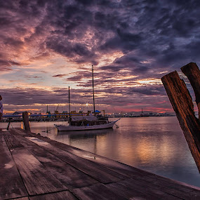 sunrise @ chew jetty by P Hin Cheah - Landscapes Sunsets & Sunrises ( chew jetty, penang, jetty, sunrise, chew )