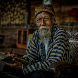 Write the history by Indrawan Ekomurtomo - People Portraits of Men