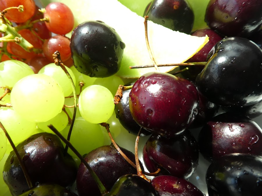 Macro on fruits by Svetlana Saenkova - Food & Drink Fruits & Vegetables ( cherry, fruits, macro photography, grape )