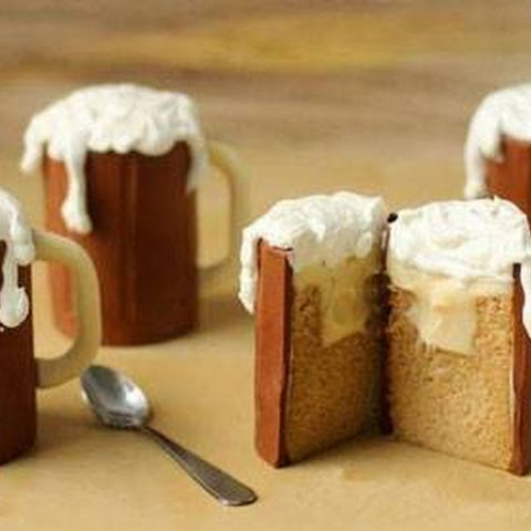 Root Beer Mug Cupcakes with Vanilla Ice Cream