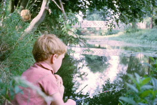 The project was inspired by Julian's childhood pond experience. As a matter of fact, this beautiful picture shows us Julian himself !