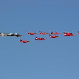 Vulcan and Red Arrows by Martin Lee - Novices Only Sports ( flying, airplane, planes )