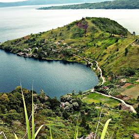 by Daniel Pasaribu - Landscapes Mountains & Hills ( jonggi ni huta, tobasa, samosir, manurung )