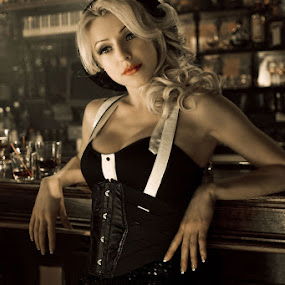Blonde in Bar by Johannes Bichmann - People Fashion