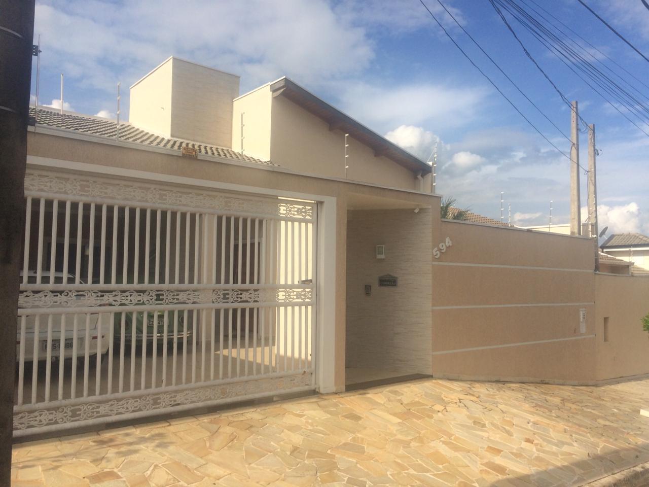 Casa com 3 dormitórios e 1 suíte, no Jardim Esplanada II - Indaiatuba/SP