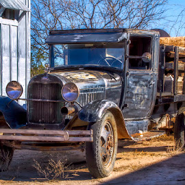 0683-TA-0211-01-16 by Fred Herring - Transportation Automobiles