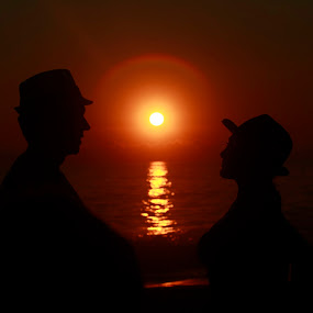 love by Cristobal Garciaferro Rubio - People Couples ( love, shore, waves, sunset, sea, couple, sun )