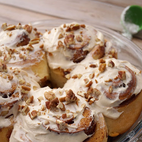 Cinnamon Rolls with Pumpkin Pie Spice Cream Cheese Frosting