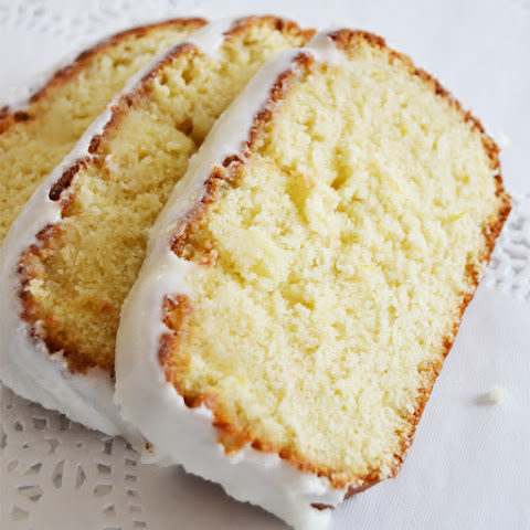 (Better Than Starbucks) Glazed Lemon Cake