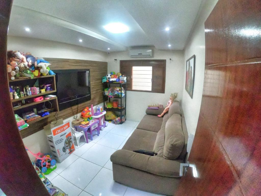 Casa com 3 dormitórios à venda, 194 m² por R$ 525.000 - Banc
