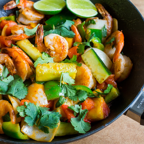 Pad Priew Wan Goong (Thai Sweet and Sour Stir-Fry with Shrimp)