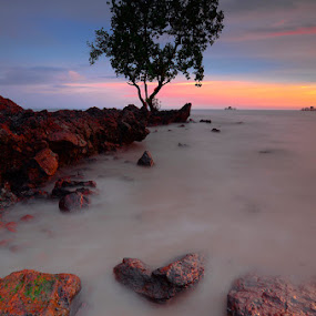 Pasir Panjang Episode - Standing on The Last Day by Syafiqjay  Sj - Landscapes Waterscapes