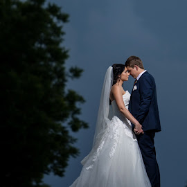 Us time by Lood Goosen (LWG Photo) - Wedding Bride & Groom ( wedding photography, wedding photographers, brides, wedding dress, groom and bride, wedding, weddings, wedding day, wedding photographer, bride and groom, bride, groom, bride groom )