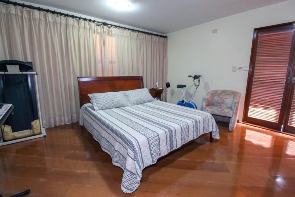 Casa para Venda 679 m²  com 4 quartos