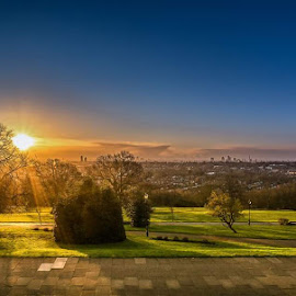 Morning  by Selaru Ovidiu - City,  Street & Park  City Parks ( london alexandrapalace )