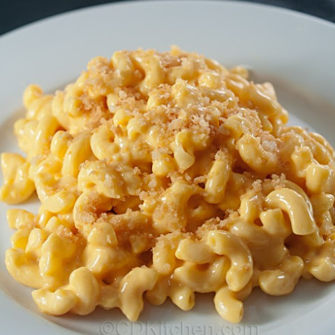 Macaroni and Cheese for a Crowd