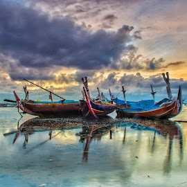 Sunrise  by Bobo Tandiono - Transportation Boats ( boats. clouds.refelection )