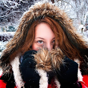Winter bliss by Paschalis Angelopoulos - People Portraits of Women ( brown eyes, red, park, snow, fur, gloves, brunette, hat )