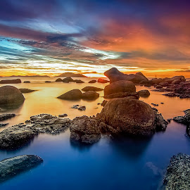 samudra rock blue hour by Bong Wihendra - Landscapes Sunsets & Sunrises ( canon, blue hour, seascape, landscapes, tokina )