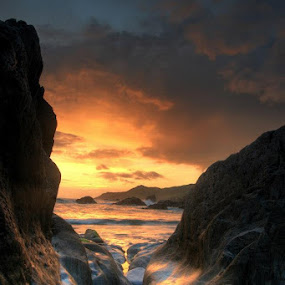 Woolacombe Bay - Mars by Anthony D'Angio - Landscapes Sunsets & Sunrises ( uk, mars, hdr, sunset, devon, rocks, woolacombe bay )