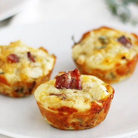 Apple-Bacon Cheddar Mini Breakfast Pies