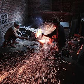 tempa by Ramadhan Bagaskara Arya Parmuka - Professional People Factory Workers ( tosan aji )