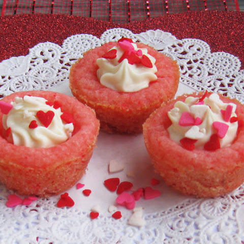 Itty Bitty Strawberry Cheesecake Cups #FoodBloggerLove