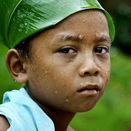 Paijo lagi sedih by Doeh Namaku - Babies & Children Child Portraits