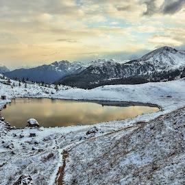 Passo Valparola by Miloš Stanko - Landscapes Mountains & Hills ( valparola, dolomity, obloha, jezero, sníh )