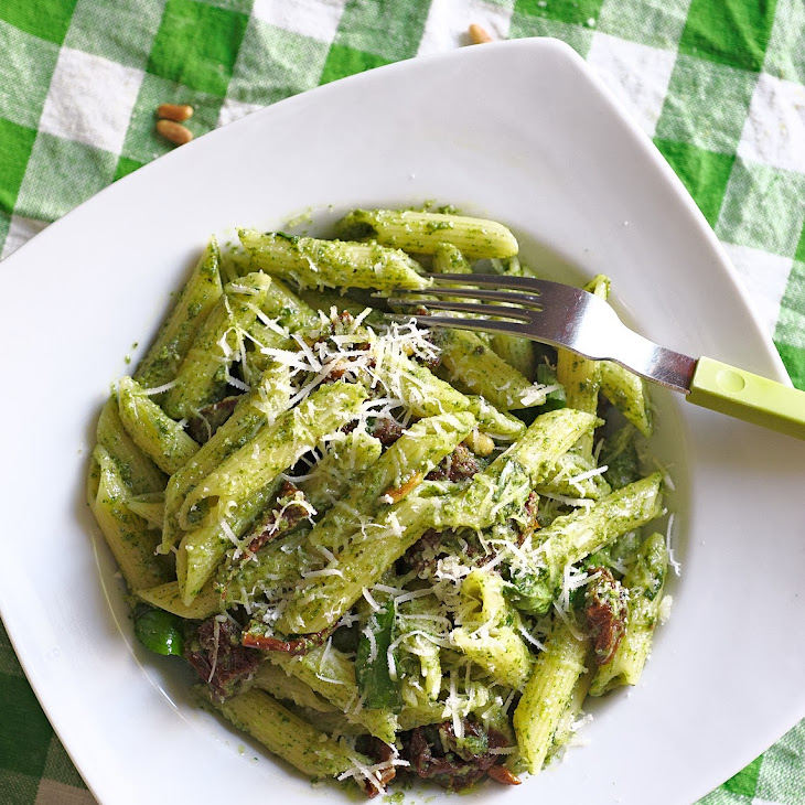 10 minute Basil Pesto Penne Recipe | Yummly
