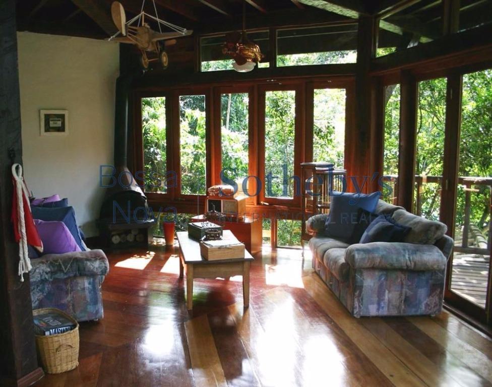 Casa em condomínio com lazer completo