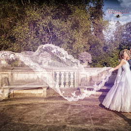 Pure love by Romeo Dimache - Wedding Bride & Groom