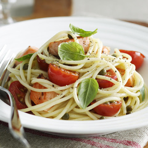 Spaghetti with Sea Trout and Tomatoes
