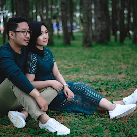 Couple prewedding shoot near lake toba Indonesia by Fredy Pandia - Wedding Bride & Groom ( prewed, prewedding, wedding, indonesia, d610, 50mm, couple, lake toba, nikon, portrait )