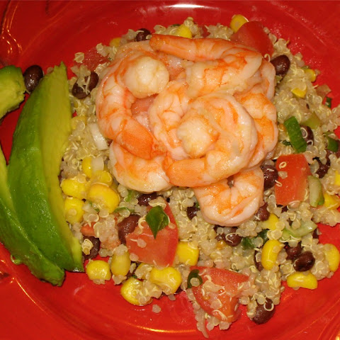 Healthy Mexican Quinoa Salad with Tender Shrimp and Creamy Avocado