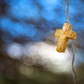 La Cruz by Richard Duerksen - Artistic Objects Other Objects ( crucifix, small cross, curaçao, light, cross )