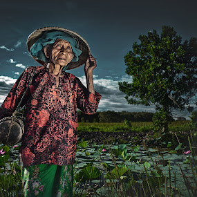 0ld women by Abe Less - People Portraits of Women ( senior citizen )