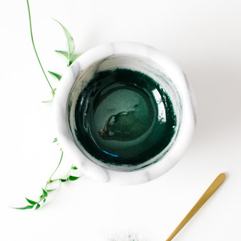 Spirulina Honey Face Mask.