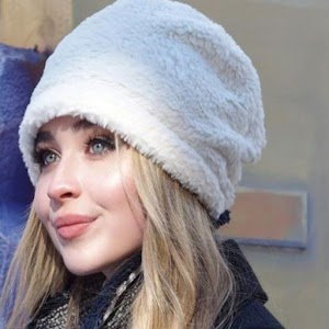 Download Sabrina Carpenter For PC Windows and Mac